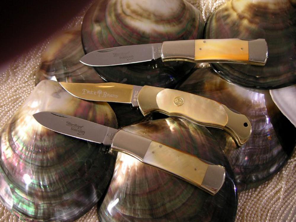 Messer Wien Oberes und unteres Taschenmesser von Hartkopf Solingen mit Griffschalen aus Goldperlmutt-weltweit auf 4 Stück limitiert. hartkopf_goldenes_perlmutt_limitiert_taschenmesser