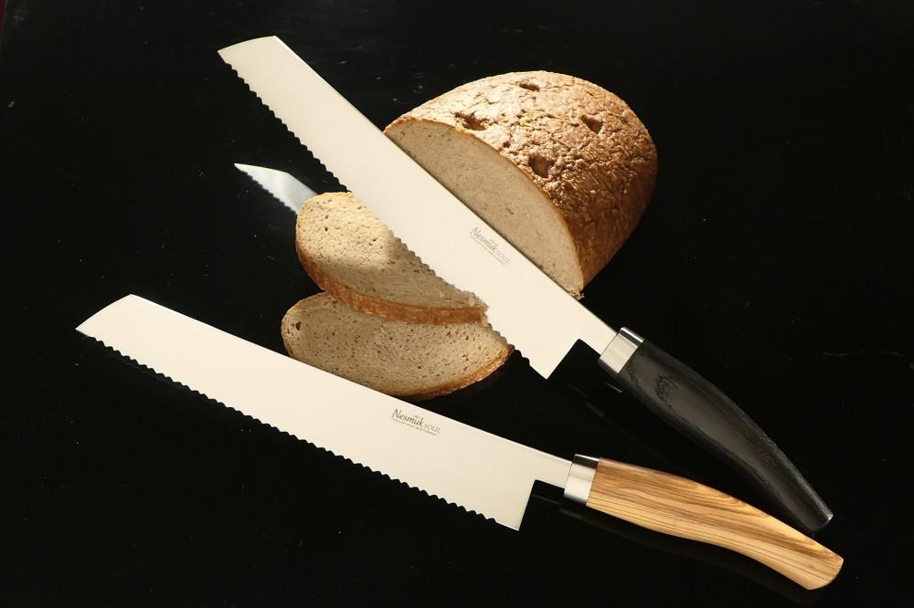 Messer Wien Nesmuk Soul Brotmesser. Klinge: 27cm, rostfrei. Griff: Mooreiche und Olive, Edelstahlzwinge. kochmesser nesmuk soul brotmesser 27cm niob wellenschliff 60hrc rostfrei mooreiche olive